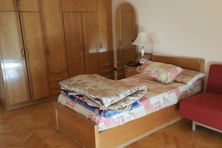 Cozy room in a villa apartment - El Shorouk - 別荘