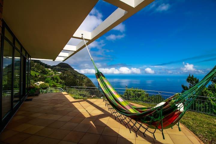 Cottage Ocean View. Gorgeous sea view