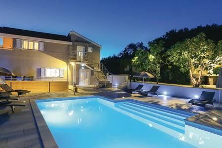 Villa IN - Gornje Sitno