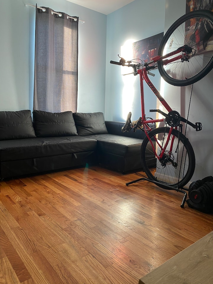 Nice Private Room in small apartment!
