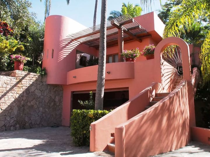 """San Pancho Style"" Guesthouse Steps From Beach"