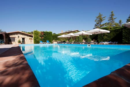 Suite con salotto e piscina - Bed & Breakfast