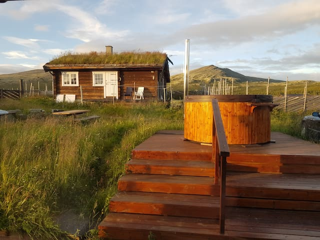 Cosy log cabin close to Rondane N P- Kjekk hytte