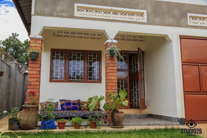 Rooms available in a home friendly environment - Kampala