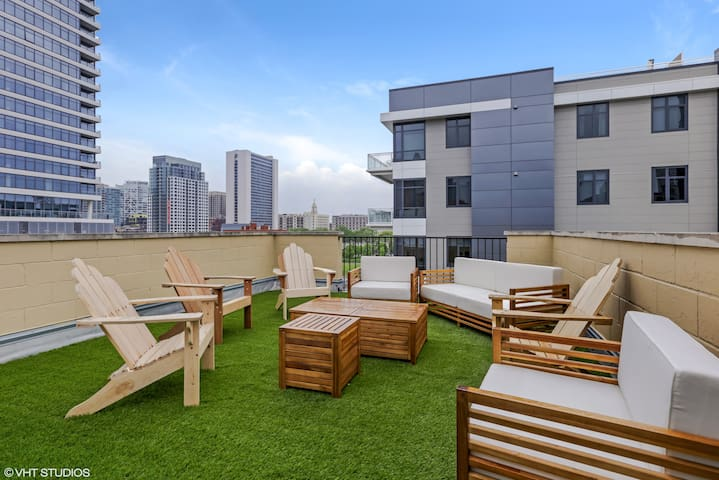 PRIVATE ROOFTOP DECK!