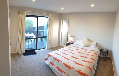 Self contained Cosy, Modern Private room & Ensuite