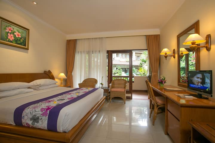 Spacious Deluxe Room Ground Floor near Pool