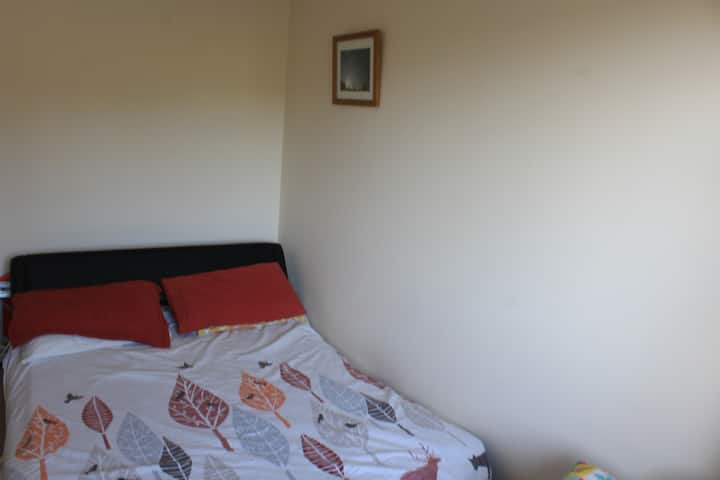 Quiet and cosy room close to Waterford