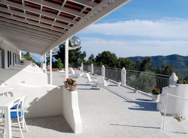 Casa vacanza con panorama unico - Mattinata - Lägenhet