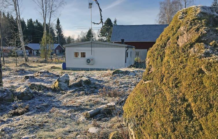Holiday cottage with 1 bedroom on 35m² in Stora Mellösa
