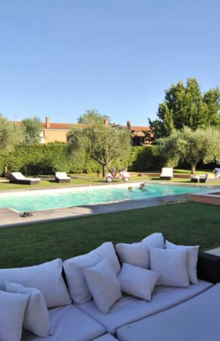 Villa con piscina Roma