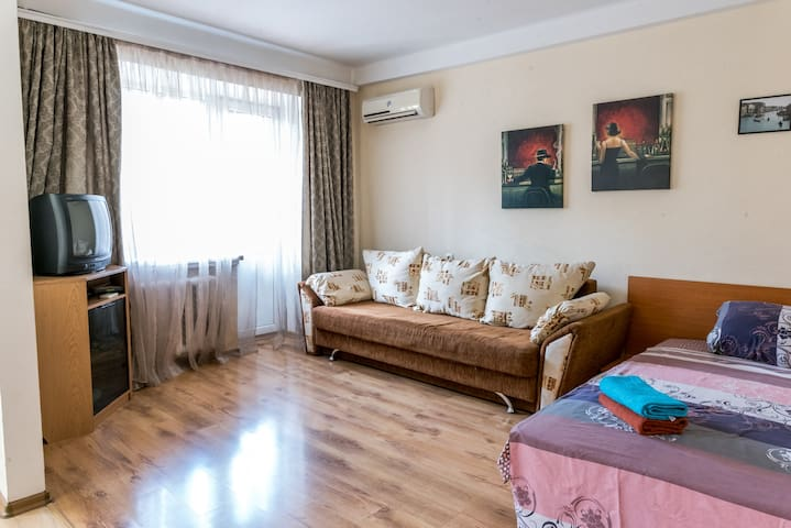Квартира-студио в самом центре возле Бессарабки
