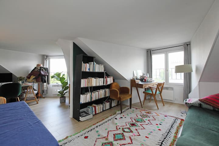 Amazing flat in the marais with stunning view