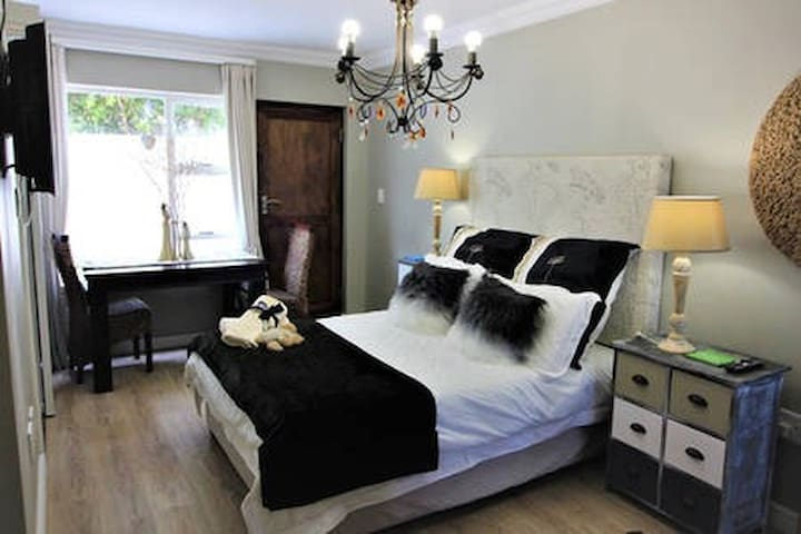 West Coast:St Helena Bay Accomodation Room B