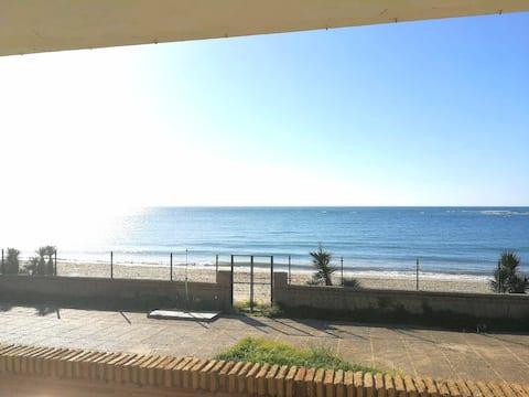 Espectacular chalet a pie de playa