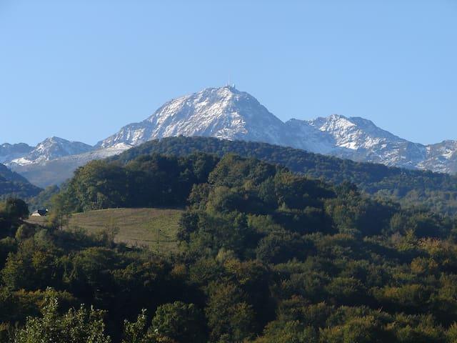 Vue sur le pic du midi de Bigorre
