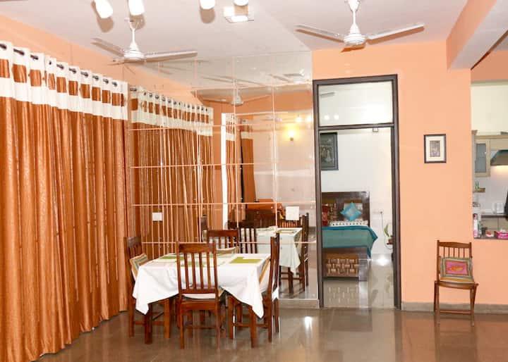 Taj view apt.—Sanitized home away from home; Wow!