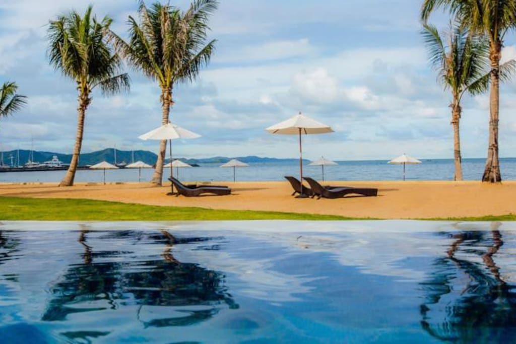 Pool and beach lifestyle in the hearth of Pattaya