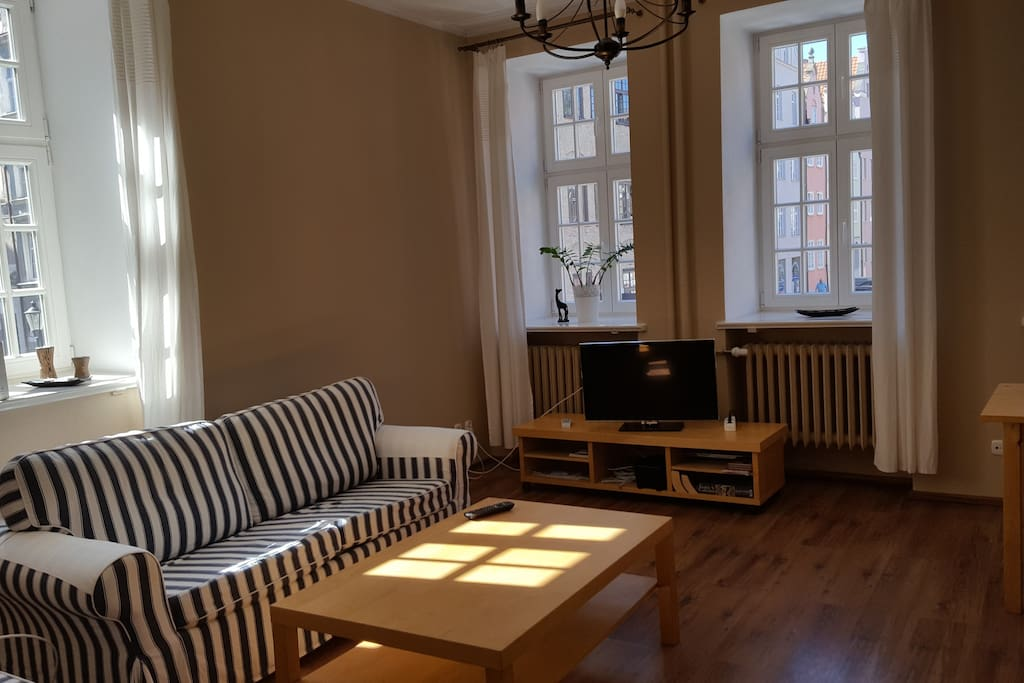 Living room. Bright and spacious
