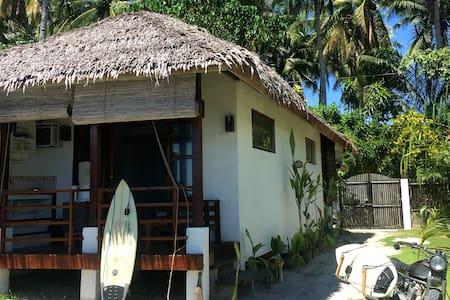 Maison Dagat - Beach front