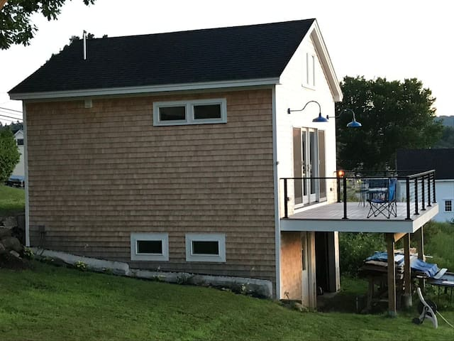 Lincolnville Beach Cottage w/ Balcony & Ocean View
