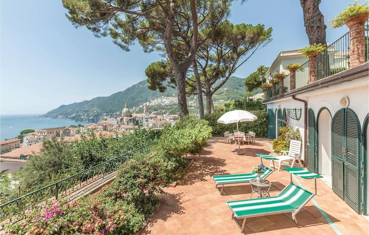 Holiday cottage with 2 bedrooms on 140m² in Vietri sul Mare SA