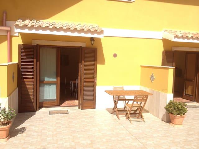 La casa gialla - Monolocale (4) - Carloforte