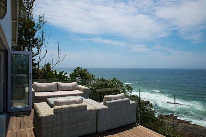 Sweeping Ocean Views and Luxury Accommodation