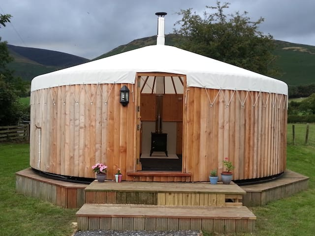 The Roundhouse,  peaceful Lake District Farm - Whicham - Chalet