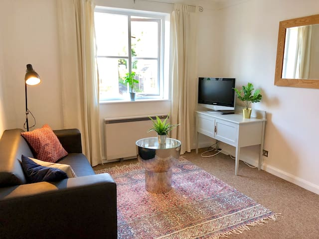 Town Apartment, High Wycombe
