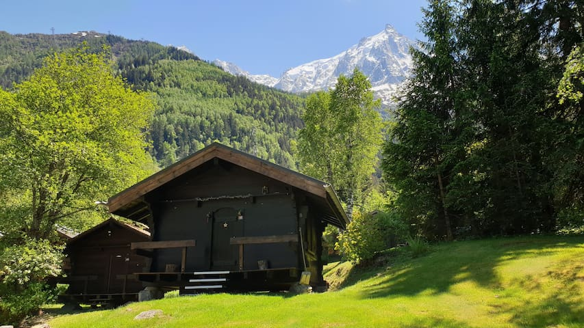 Cosy petit Chalet 2-5p, 15' walk centre no TV/Wifi