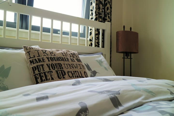 Double bedroom in 3 bedroom flat, Edinburgh - Edimburg - Pis