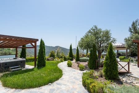 Luxurious 3 Bedroom Mountain House - Agios Theodoros - 別墅