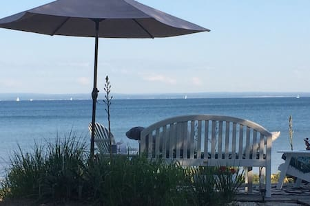 Exec Quiet Oasis Beachfront Chalet - Fort Erie