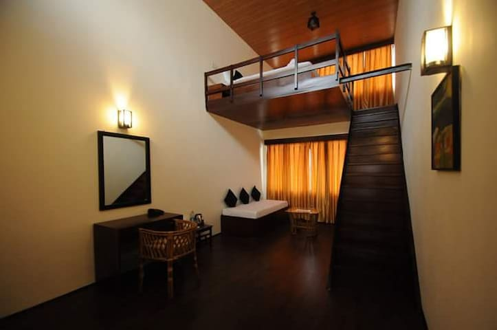 Attic Duplex Room.. In Town - Gangtok - Bed & Breakfast