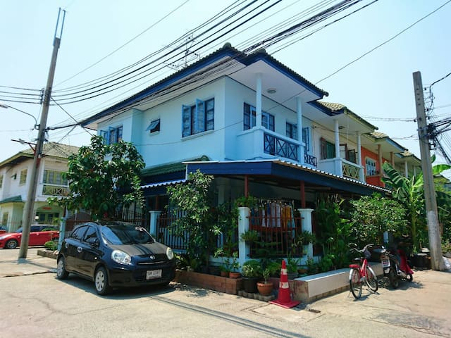 Friends Club Homestay - Hostel