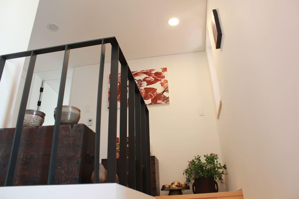2층의 작은 거실