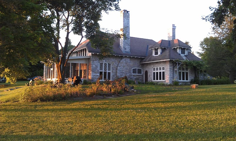 On Beautiful Lake Champlain !!!! - South Hero - House