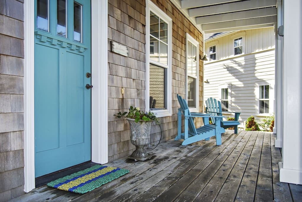 Seating on the front porch to enjoy the coastal breeze.