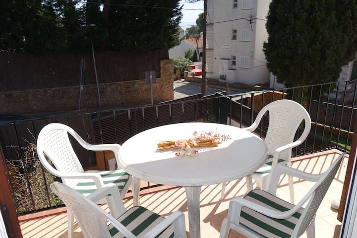 Apartment in Penya Golosa residence, with pool and very near to the village center
