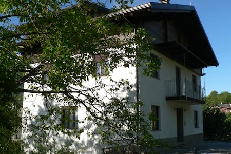 """La Via del Sole""  camera Assietta - Giaglione - Bed & Breakfast"