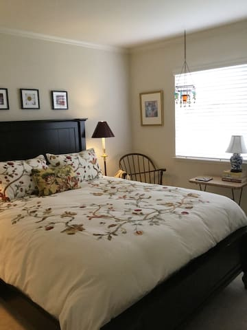 Bed, Bath and Beach in Beautiful Half Moon Bay