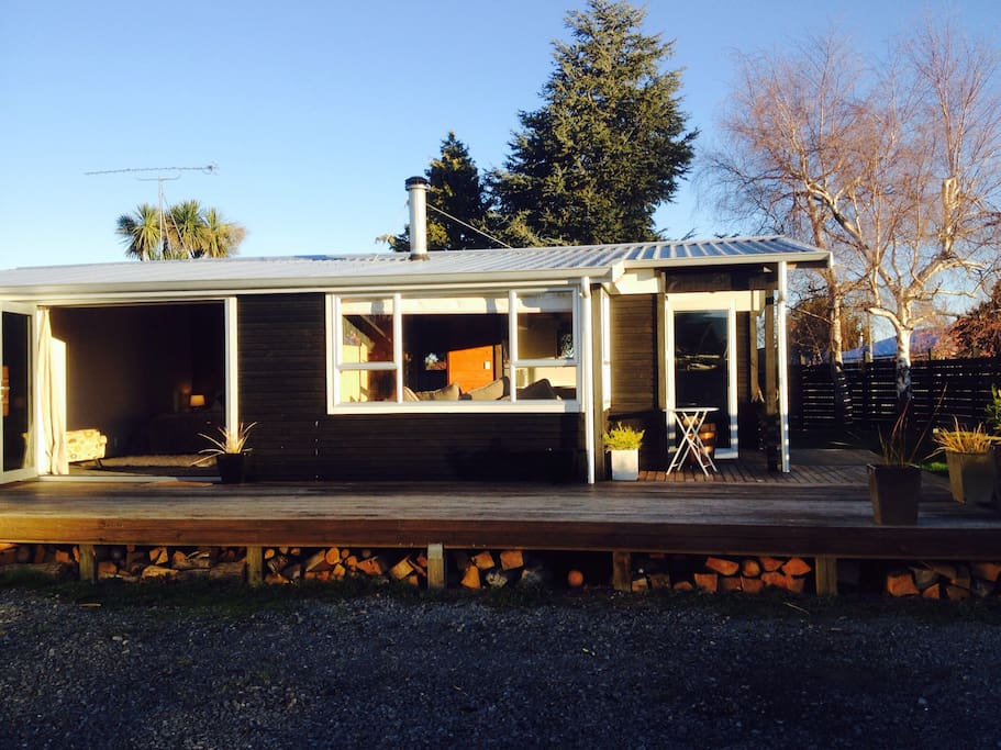 """Alpine Lodge in the heart of Methven - Opuke the Maori place name for """"Mt Hutt"""""""