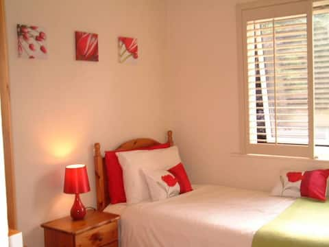 Bright Sunny Single Room Central Thame