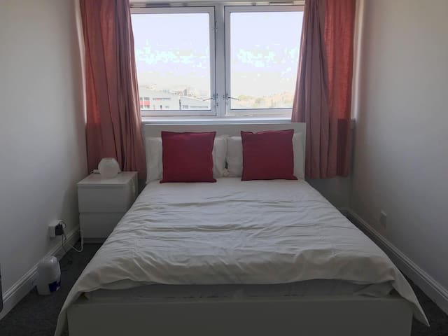 Comfortable Private Double room zone 2, London