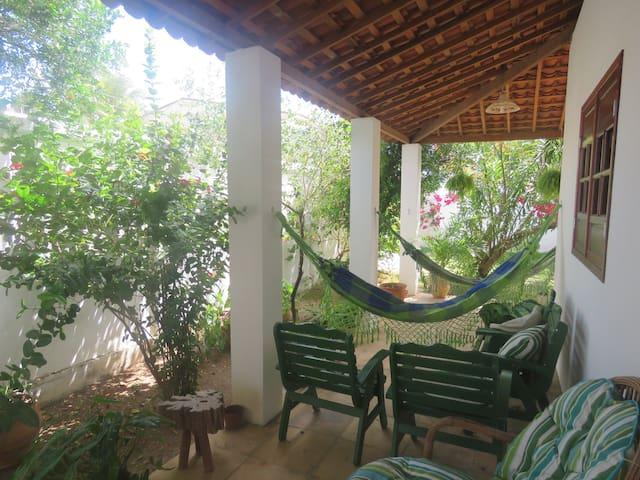 Casa, dois quadros da praia do Pontal de Coruripe.