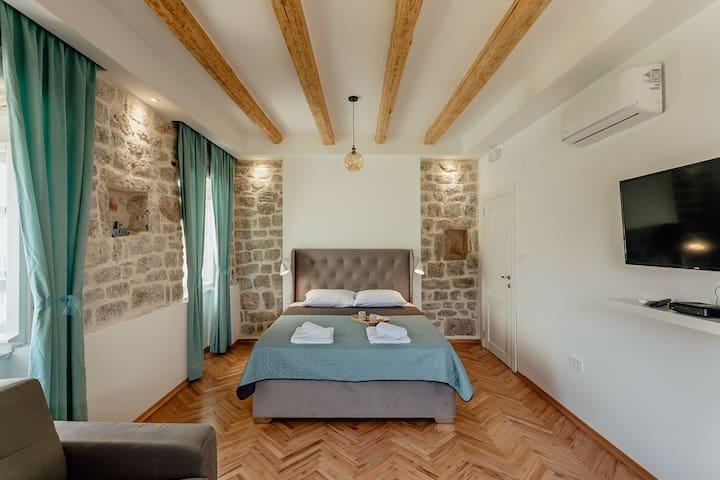 Conborgo Apartments 1, Room No. 1