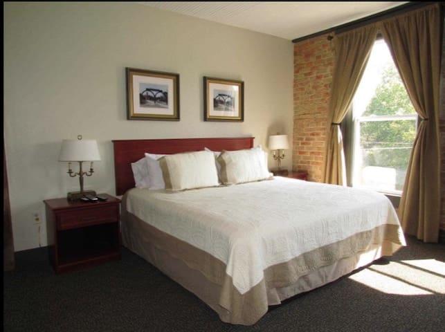 Room C it has 1 king bed