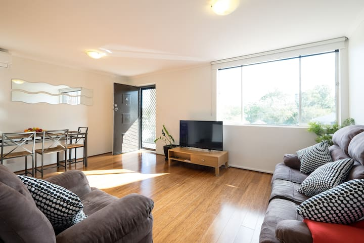 2 bedroom apt - walk to Southbank - Highgate Hill - Wohnung
