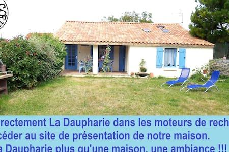 Location Maison pleine de charme  - Saint-Michel-en-l'Herm - Dom